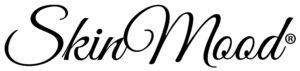SkinMood- ihonhoitotarvikkeiden logo. Valkoisella pohjalla musta teksti.